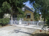 Dombóvár Gunaras fürdőn központi helyen téliesített 95m2 nyaraló eladó ingatlan hirdetéshez feltöltött kép
