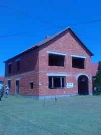 Üllés Móra Ferenc utca 9.sz. alatt félkész 120m2-es családi ház eladó ingatlan hirdetéshez feltöltött kép