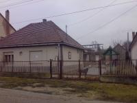 Sürgõsen Eladó Bajnán részben felújított 118m2 családi ház 1295m2 telek ingatlan hirdetéshez feltöltött kép