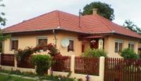 Újiráz eladó családi ház 100m2 1+2 félszobás összkomfortos 2003-as ház ingatlan hirdetéshez feltöltött kép