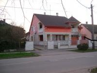 Hajdúszoboszló központ fürdõhöz közeli eladó 189m2 családi ház rendezett kerttel ingatlan hirdetéshez feltöltött kép