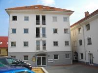 Budaörs központ színvonalas irodaház kiadó 40m2 napfényes, klimatizált iroda ingatlan hirdetéshez feltöltött kép
