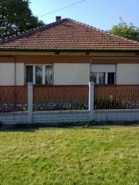 Miskolc-Szirma kertvárosban eladó összkonfortos tégla 90m2 családi ház ingatlan hirdetéshez feltöltött kép
