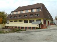 Szombathely 24 szobás felújításra szoruló panzió és 150m2 tetõtér eladó ingatlan hirdetéshez feltöltött kép
